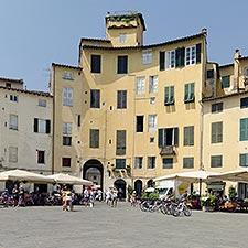 Piazza Anfiteatro, Lucca, Italie